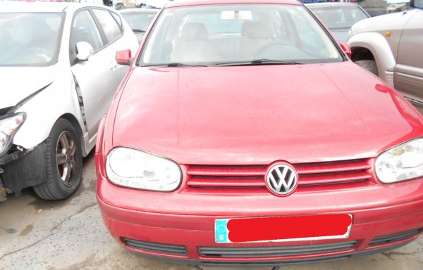 SE VENDE VOLK GOLF AVERIADO 1.6 105CV